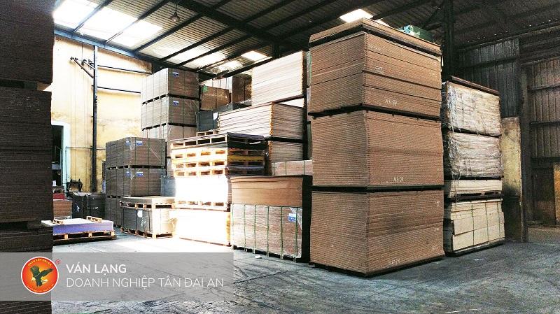 Xưởng gỗ công nghiệp tại Hà Nội
