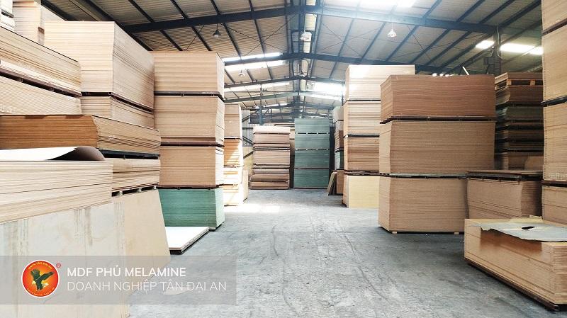 Xưởng sản xuất gỗ công nghiệp (2)